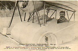 Tarjeta Postal:  COURSE D´AVIATION PARIS-MADRID, MAI 1911. Train sur son monoplain avant del départ - quelques moments après, l´appareil preicipité su